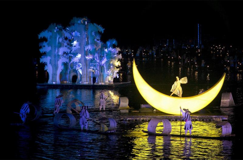 night show of impression Lui San Jie