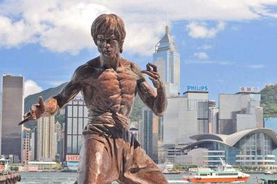 Bronze statue of Bruce Lee