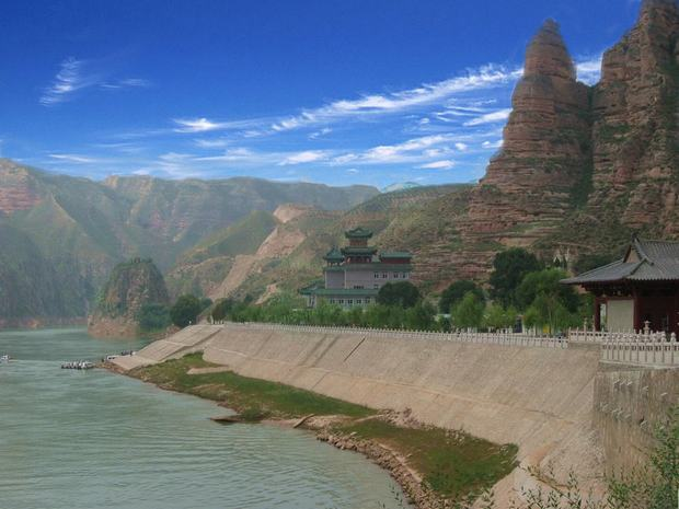 Bingling Temple Grottoes Scenery