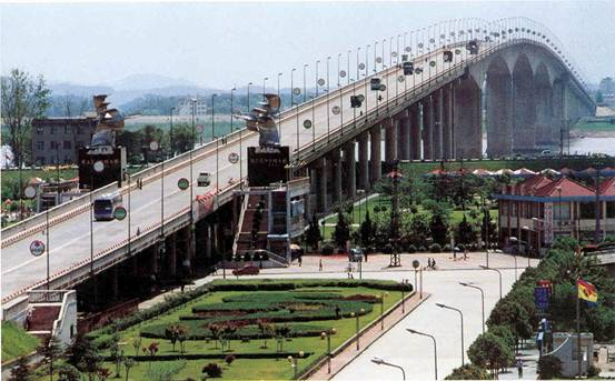 Huangshi China  City new picture : Huangshi Changjiang Bridge, Yangtze River Cruise Easy Tour China