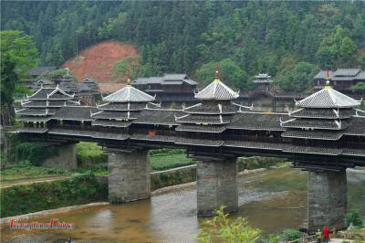 Visit Wind and Rain Bridge in Chengyang