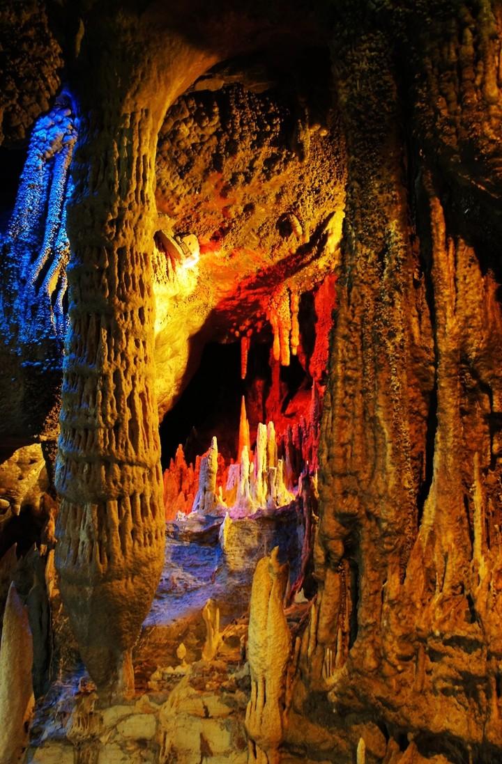 Wulong Lotus Karst Cave Chongqing Wulong Karst Landscape