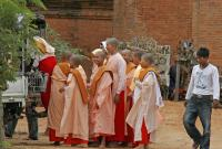 Monks at Dhammayangyi Temple