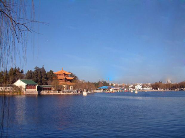 Dianchi Lake and Daguan Park View