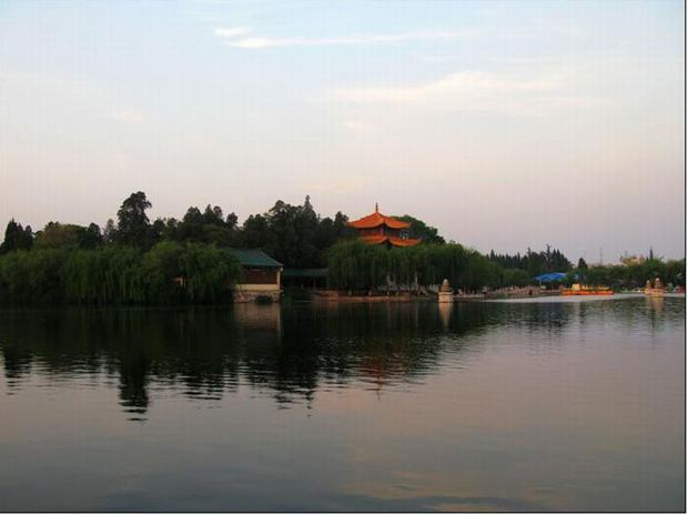 Dianchi Lake and Daguan Park Landscape