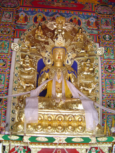 Five Pagoda Temple Golden Buddha Statue