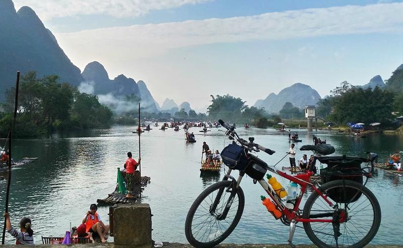 Guilin Li River cycling