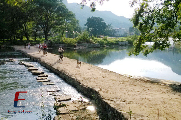 Bike along the Rivers in Yangshuo