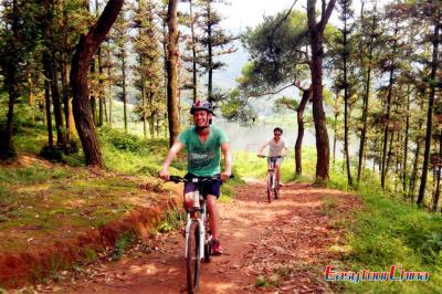 One Day Guilin Bike Tour to Rural Huajiang River