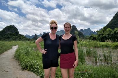 American and Canadian female travelers in Guilin