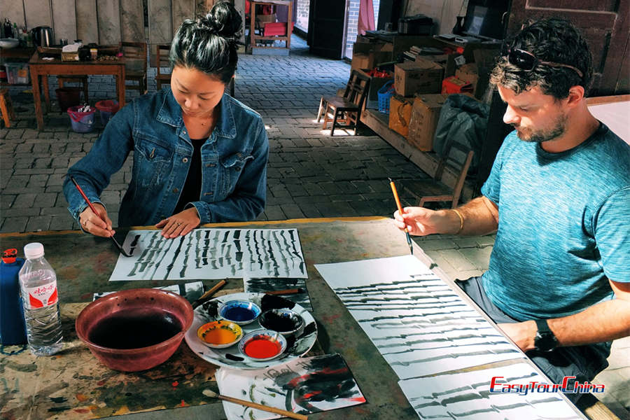 Chinese painting lesson in Yangshuo