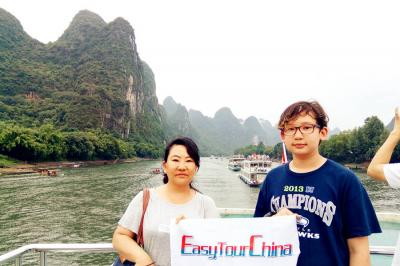 American Family Enjoying Li River Cruise from Guilin to Yangshuo
