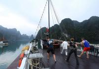 Ha Long Bay taichi lesson