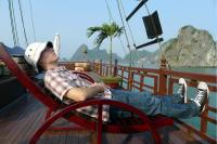 Ha Long Bay sunning