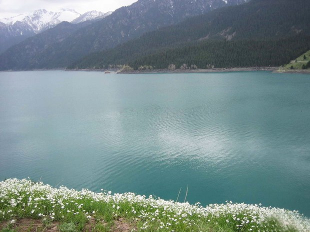 Awesome View of Heavenly Lake