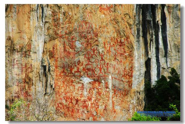 beautiful Huashan Murals