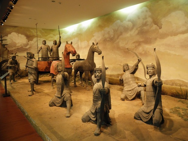 The Soilder Sculpture Wuhan Hubei Provincial Museum Travel