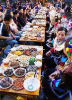 Hundred Families Banquet Visitors on Sea