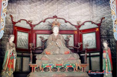 Goddess Yi Jiang Statue of Goddess Mother Hall