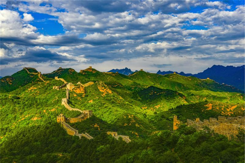 Jinshanling Great Wall in spring season with greenery