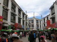 street outside jokhang temple