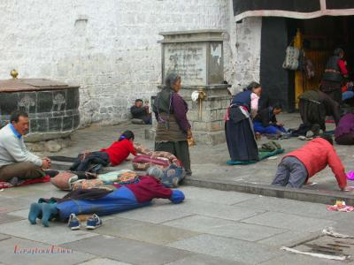 Pilgrims of Jokhang Temple