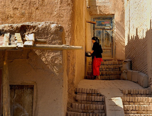 Kashgar Old Town Hui Lady