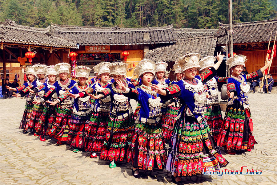 Long Skirt Miao girls dancing