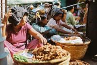 What to buy at Nyaung Oo Market