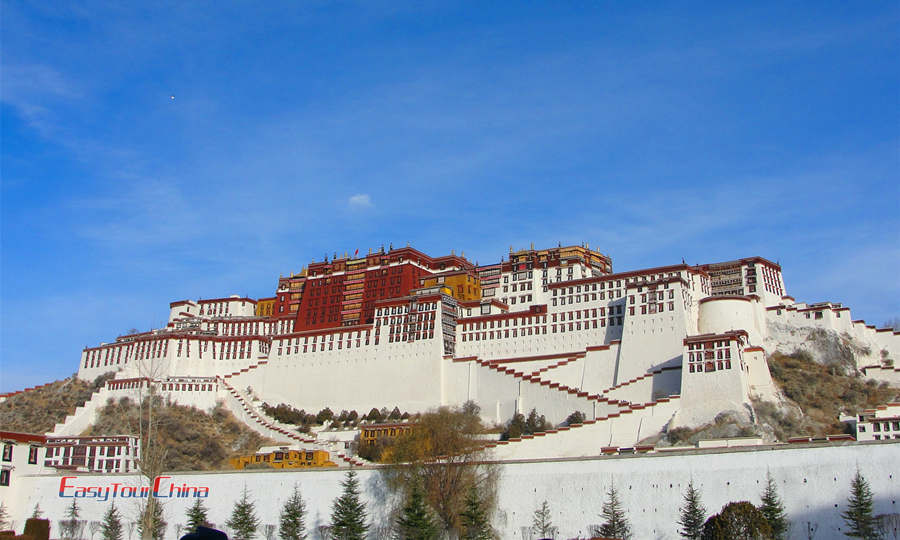 See the spectacular architcture of Potala Palace