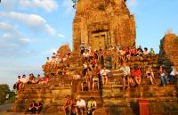 Tourists at Pre Rup