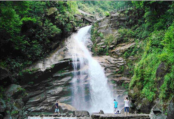 Qinglong Waterfall Refreshing Scenery