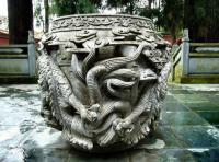 stone carvings in Qiongzhu temple