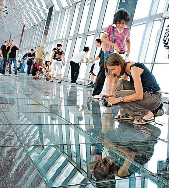 Shanghai World Financial Center Foreign Visitors
