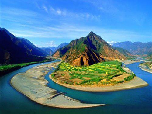U Shaped Bend Of Yangtze River Shigu Village Lijiang