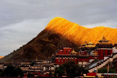 Tashilhunpo Buddhist Temple in Sunset
