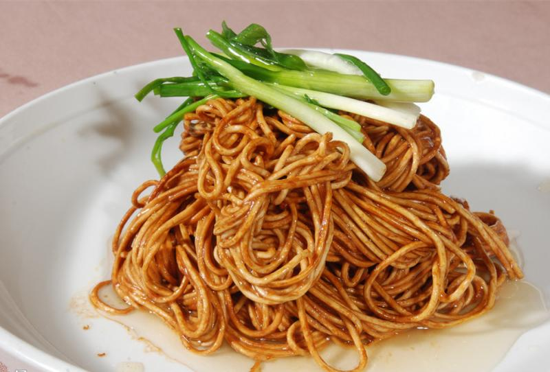 Chinese Noodles Mixed with Scallion