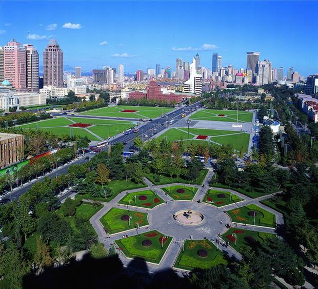 The Squares in Dalian People Square