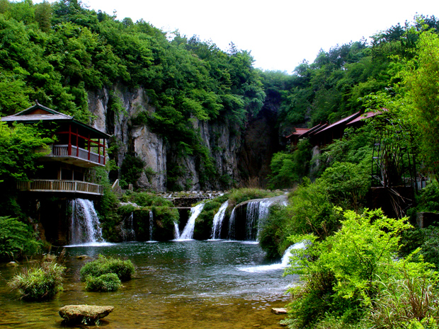 Tianhe Pool Enchanting Valley Scenery