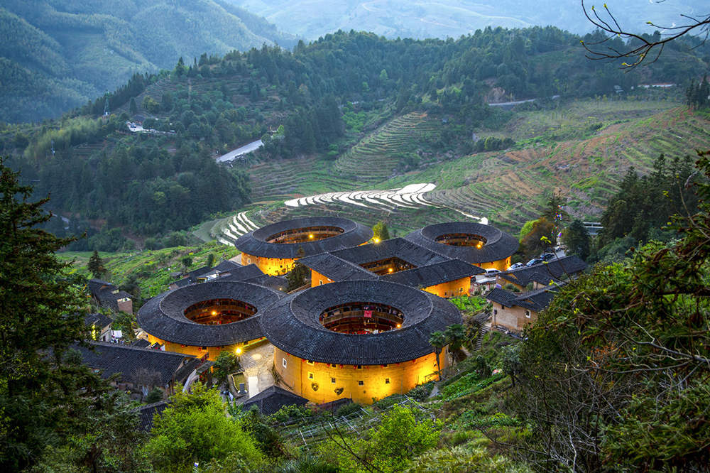 South China tour to Fujian Tianluokeng Earth Towers (Tulou)