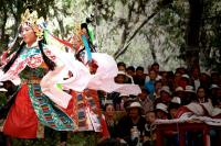 dancing tibetan girls