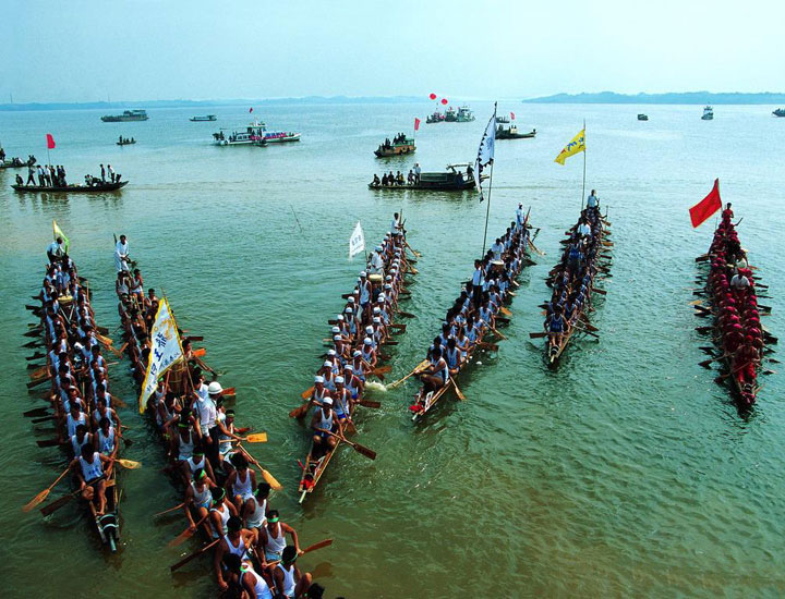 Dragon Boat Racing on Dongting Lake