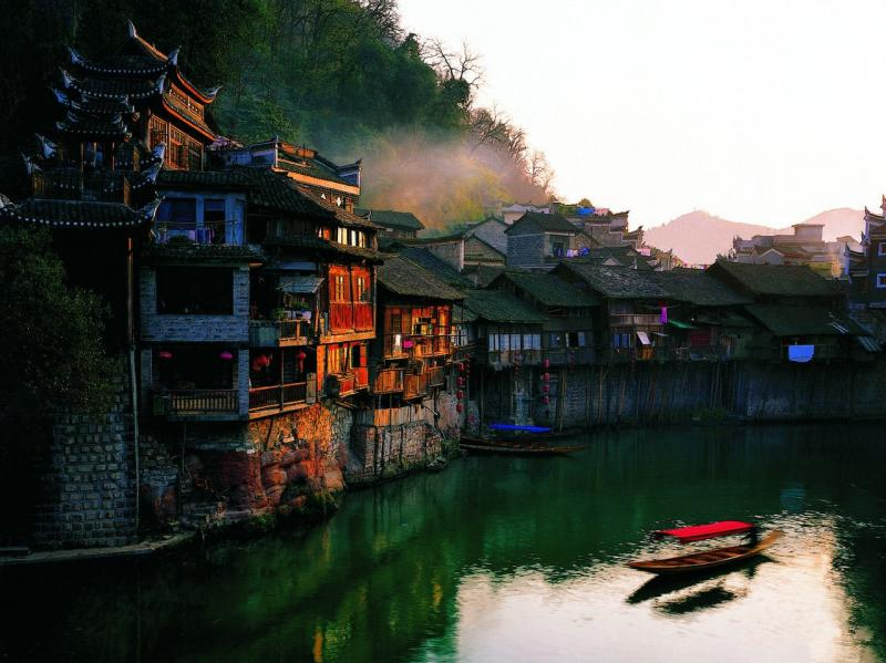 Fenghung Ancient Town tours for newlyweds