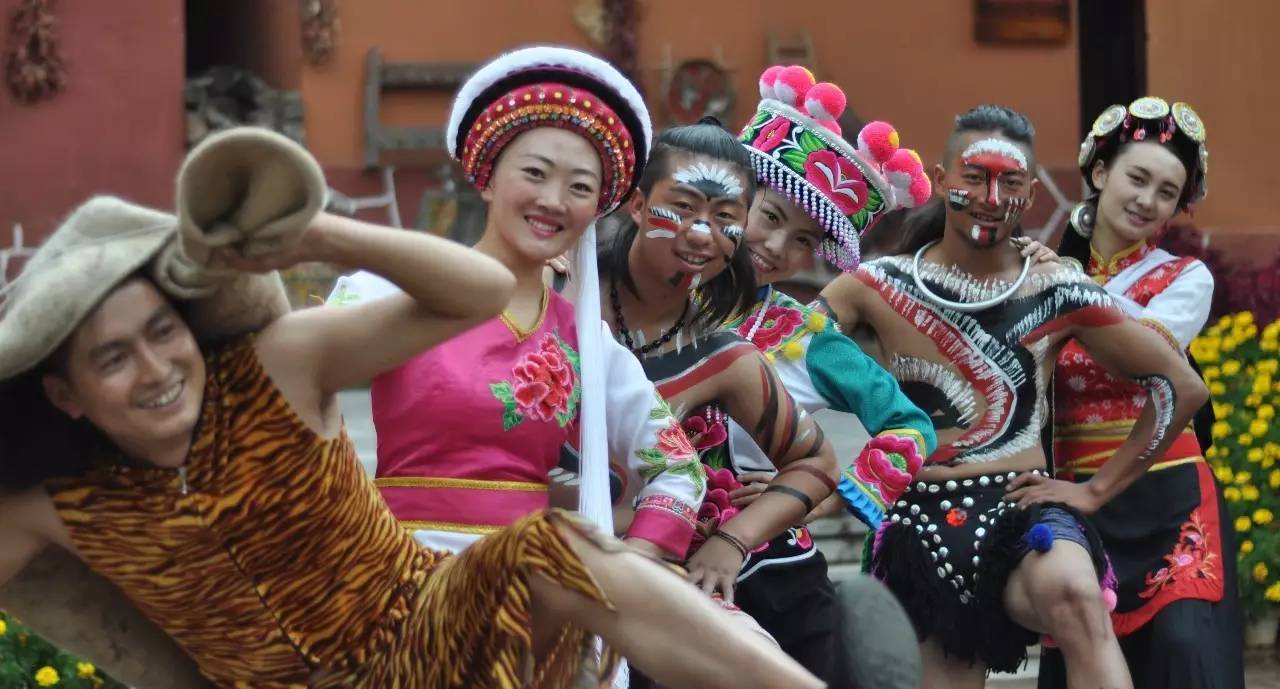Take the Kunming - Dali High-speed Train to Experience Yunnan Traditional Festivals