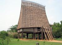 Vietnam Museum of Ethnology high thatched house