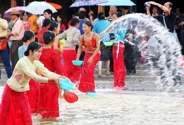 Water Splashing Festival Scene