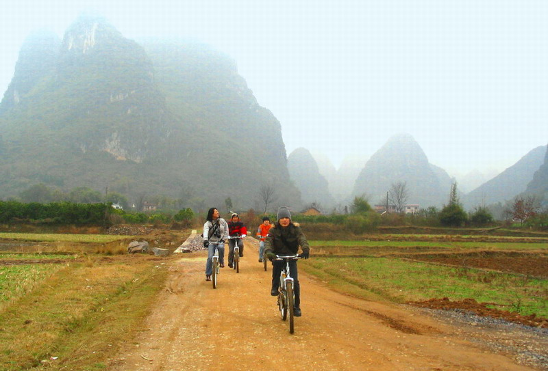 Biking to the countryside of Yangshuo