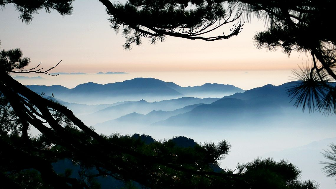 The sea of clouds on Huangshan Mountain