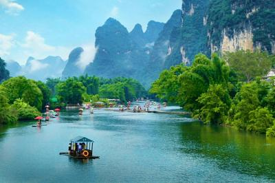 Jaw-dropping Yangshuo Yulong River Landscape